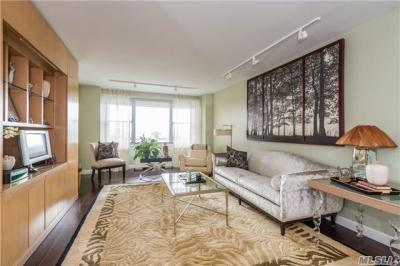 Photo of 70-25 Yellowstone Blvd #9c, Forest Hills, NY 11375