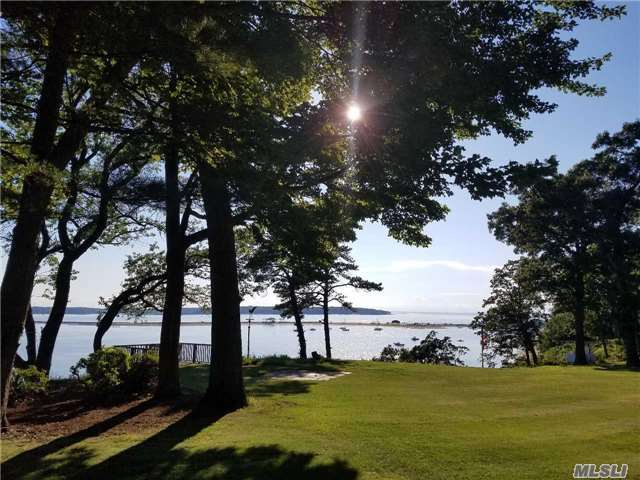 140 Old Winkle Point Rd, Northport, NY 11768