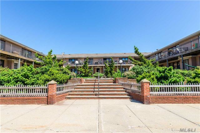 65 W Broadway #12g, Long Beach, NY 11561
