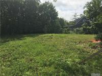 106 Allen Dr, Great Neck, NY 11020