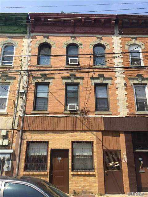 87-24 78th St, Woodhaven, NY 11421