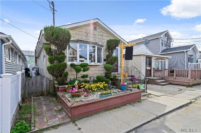 14 E 7th Rd, Broad Channel, NY 11693