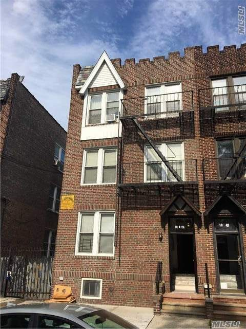 10-47 115th St, College Point, NY 11356