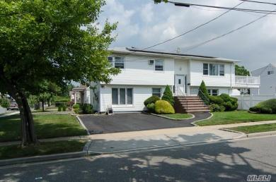 1827 Gerald Ave, East Meadow, NY 11554