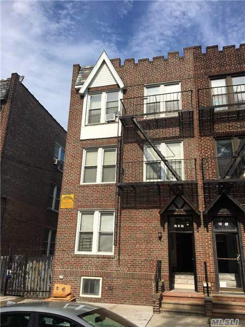 10-47 115 St, College Point, NY 11356
