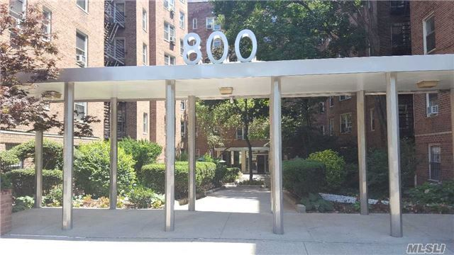 800 Grand Concourse #Gjn, Out Of Area Town, NY 10451