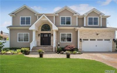 Photo of 30 Clearwater Ave, Massapequa, NY 11758