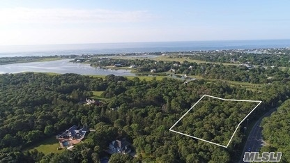 2 Penniman Point Rd, Quogue, NY 11959
