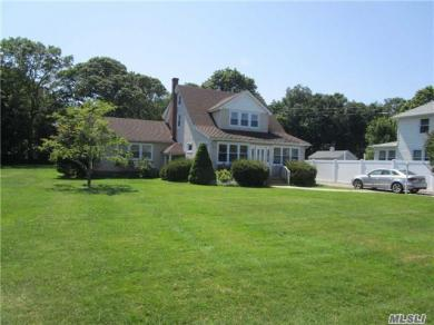 105 Washington Ave, S Jamesport, NY 11970