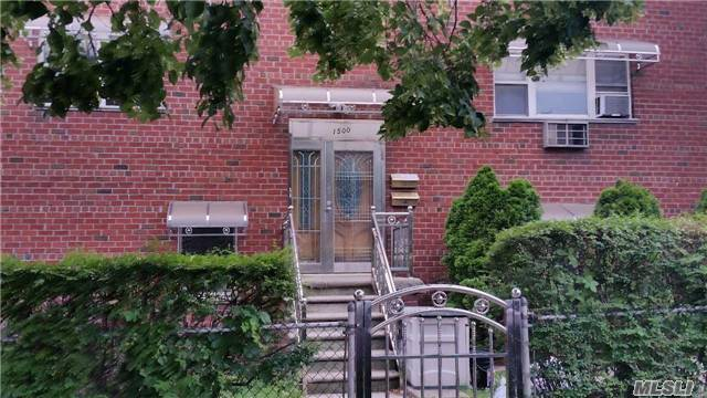1500 222 Nd St, Out Of Area Town, NY 10469