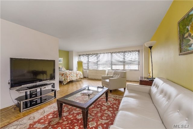111-20 73 Ave #5j, Forest Hills, NY 11375