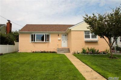 Photo of 2037 Prospect Ave, East Meadow, NY 11554