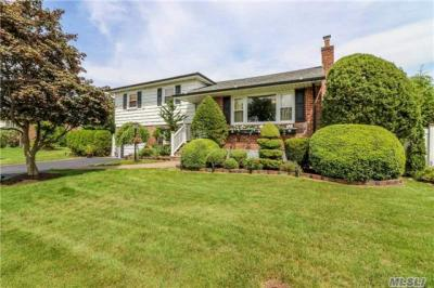 Photo of 115 Vincent Rd, Hicksville, NY 11801