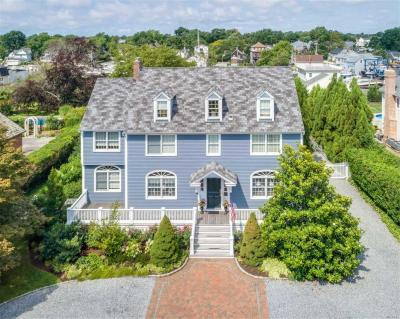 Photo of 38 West Islip Rd, West Islip, NY 11795
