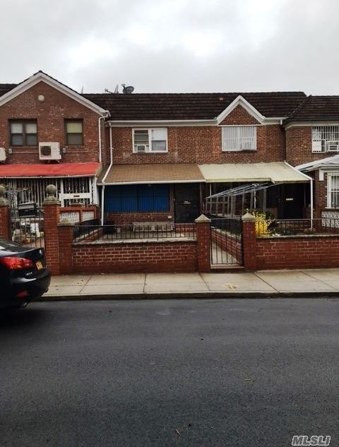 102-41 63rd Dr, Forest Hills, NY 11375