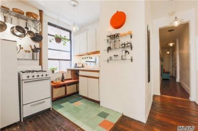 Photo of 210 Thompson St #5ds, Out Of Area Town, NY 10012