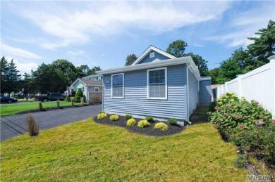 61 E 8th St, Patchogue, NY 11772