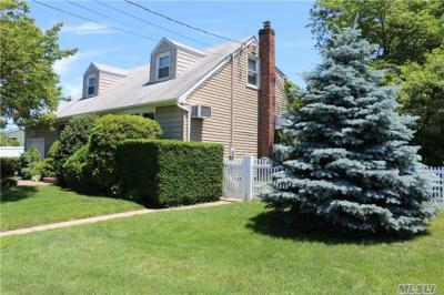 Photo of 102 Rose Dr, East Meadow, NY 11554