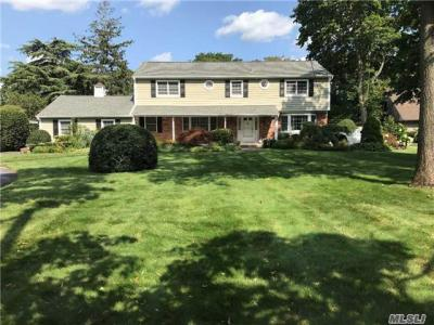 Photo of 133 Handsome Ave, Sayville, NY 11782