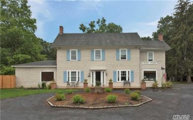 194 S Country Rd, E Patchogue, NY 11772