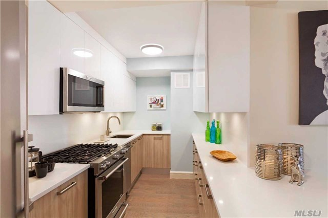 107-40 Queens Blvd #10l, Forest Hills, NY 11375