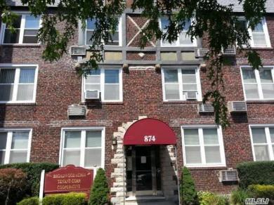874 West Broadway #C3, Woodmere, NY 11598