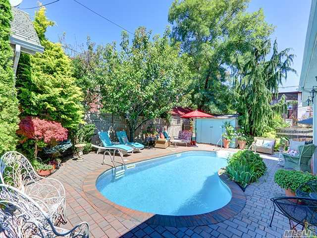 49 W Olive St, Long Beach, NY 11561