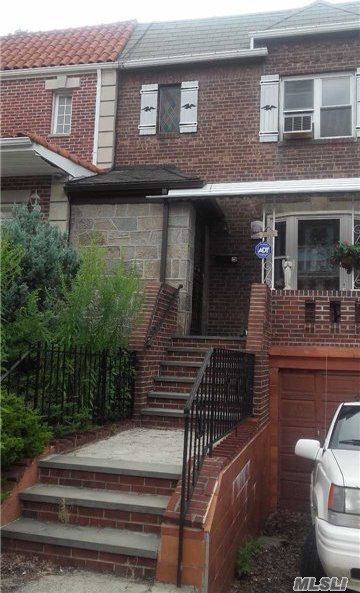 32-54 46th St, Astoria, NY 11103
