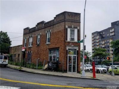 Photo of 70-01 Queens Blvd, Woodside, NY 11377