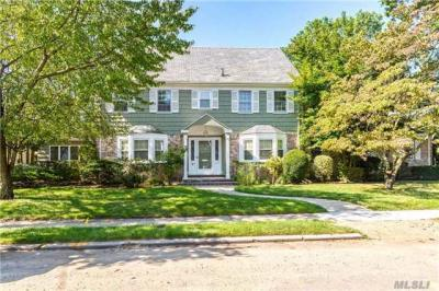 Photo of 515 Hempstead Ave, Rockville Centre, NY 11570