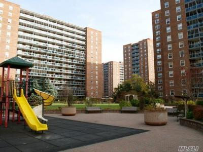 Photo of 97-40 62nd Dr #1m, Rego Park, NY 11374