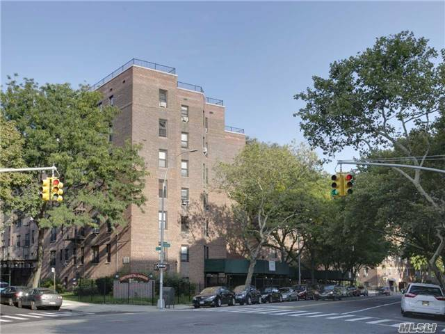 105-20 66th Ave #4c, Forest Hills, NY 11375
