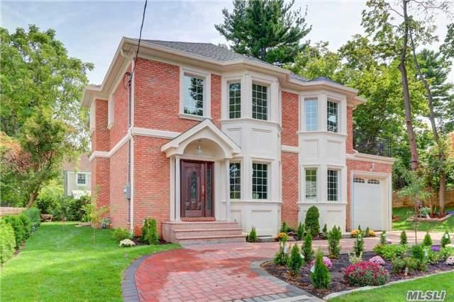 5 Red Brook Ter, Great Neck, NY 11024