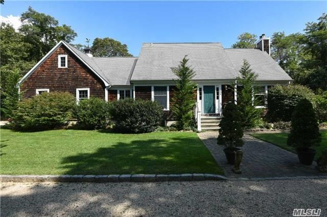 33 A Woodlawn Ave, East Moriches, NY 11940