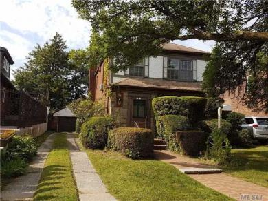 64-40 S Dieterle Cres, Rego Park, NY 11374