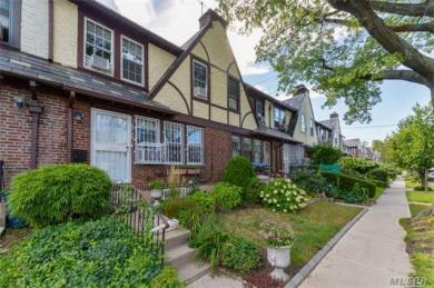67-70 Exeter St, Forest Hills, NY 11375