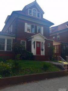 69-14 Dartmouth St, Forest Hills, NY 11375