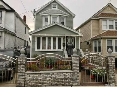 93-12 214th St, Queens Village, NY 11428