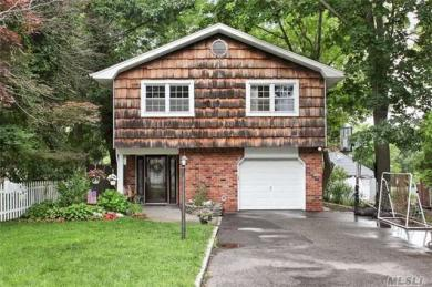 345 Coolidge Dr, Centerport, NY 11721