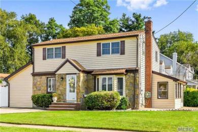 2540 7th Ave, East Meadow, NY 11554