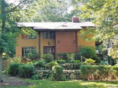 200 Echo Ave, Miller Place, NY 11764