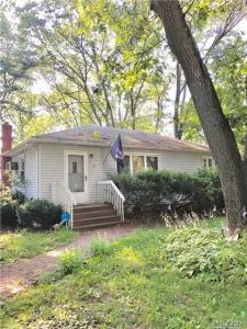 419 Free State Dr, Shirley, NY 11967