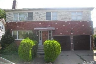 84-15 263rd St, Floral Park, NY 11001