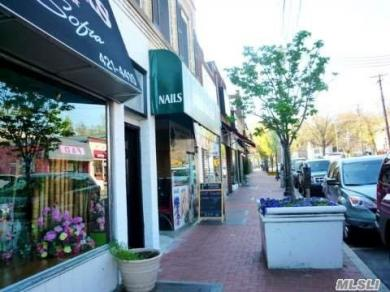 388 New York Ave, Huntington, NY 11743