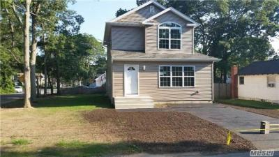 Photo of 66 Fry Blvd, Patchogue, NY 11772