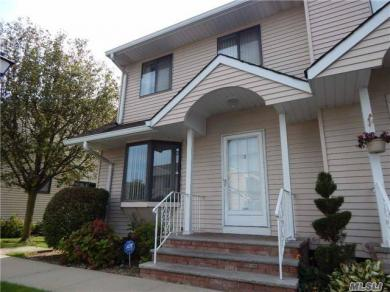 1790 Front St #19, East Meadow, NY 11554