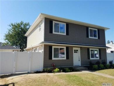 2364 Maple Ave, Seaford, NY 11783