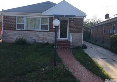 81-28 255th St, Floral Park, NY 11004