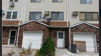 19 Jillian Ct, Out Of Area Town, NY 10310
