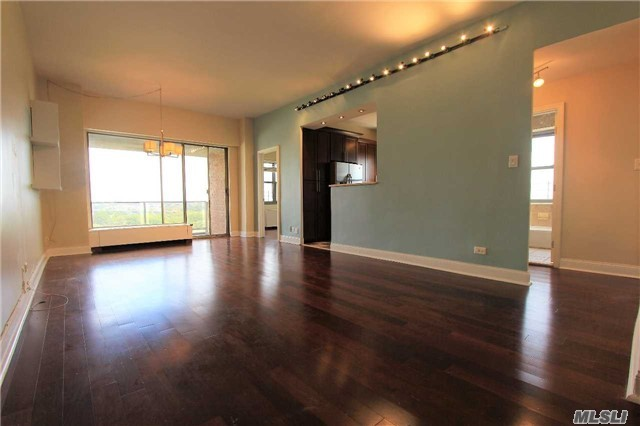 61-20 Grand Central Pky #A1505, Forest Hills, NY 11375